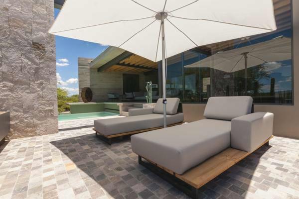 Umbrosa Infina center post umbrella ǀ Solidum Natural ǀ 2,5 x 2,5 m ǀ frame alu