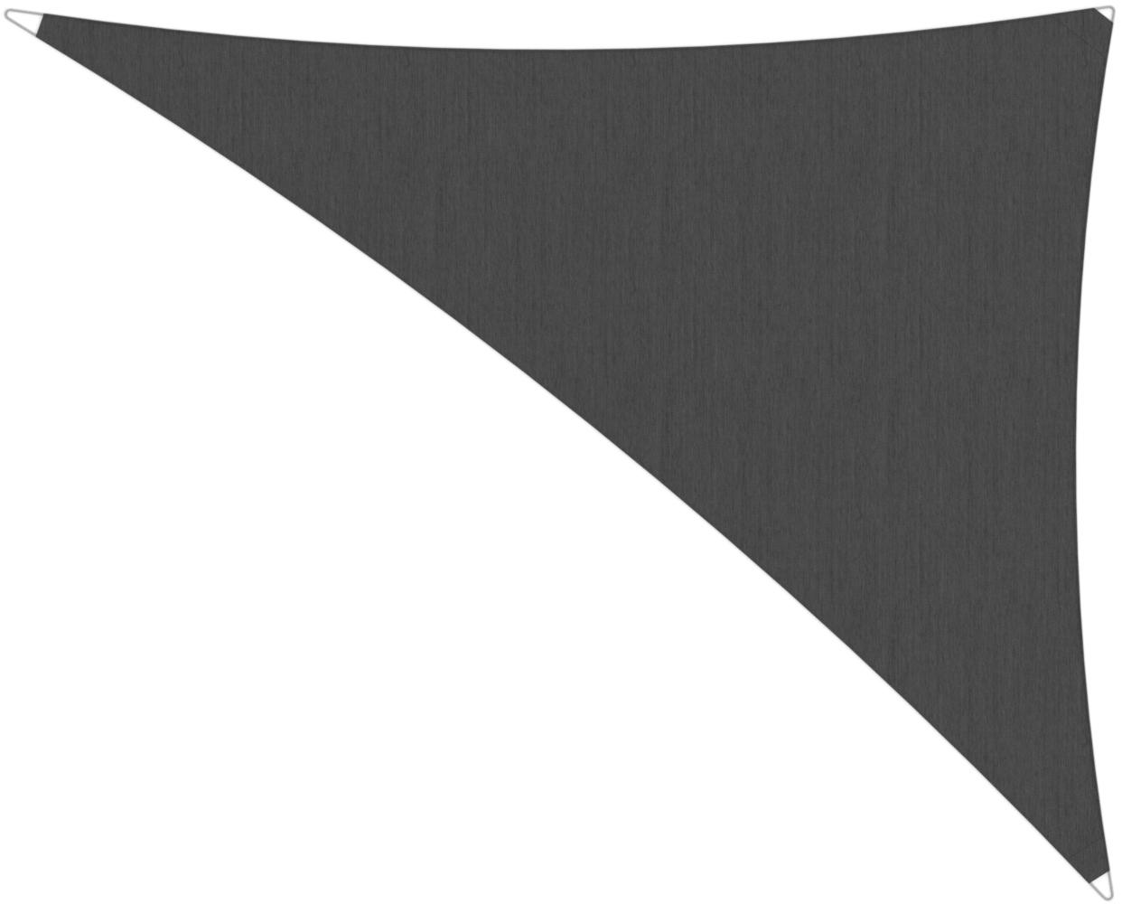Ingenua shade sail Triangle 4 x 5 x 6,4 m, for outdoor use. Colour of the fabric shade sail Flanelle.